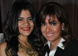 بالفيديو- بكاء نشوى مصطفى في حفل زفاف ابنتها