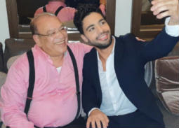 """صلاح عبد الله يهنئ أحمد جمال على أغنية """"توكلنا على الله"""" ويصفها بـ""""فصاحمية"""""""