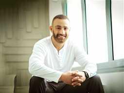 بالصور- بهذه الكلمات هنأ الفنانيين أحمد السقا بعيد ميلاده الـ46