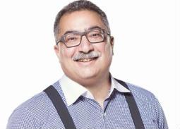 إبراهيم عيسى: أحمد زكي أوصاني بتأليف كتاب عنه
