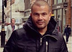 نشر عمرو دياب صورة جديدة له خلال تنزهه في شوارع لندن