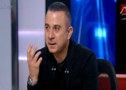 بالفيديو- أحمد سعيد عبد الغني يبكي فراق والده على الهواء