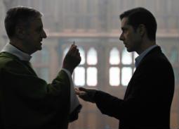 """""""بفضل الله"""".. جدل الشكل والمضمون في معالجة فرانسوا أوزون لقصة راهب متحرش"""