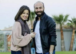 """زميل منى فاروق في """"الأب الروحي"""" مدافعا عنها: أرحموها"""