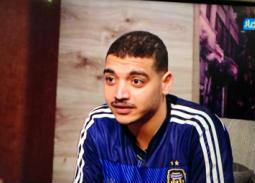 """بالفيديو- عمرو الليثي يستضيف """"كايا"""" المزيف في """"واحد من الناس"""""""