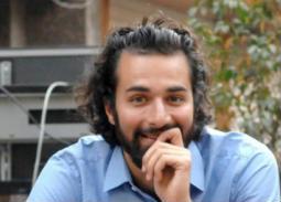 فيديو- من المطبخ... يوميات أحمد حاتم في العزل المنزلي