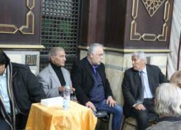 أشرف زكي وسيف عبد الرحمن يشاركان عزاء الفنان  جلال عيسي