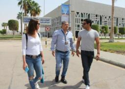 8 صور- آسر ياسين  وزوجته يصلان الاقصر للمشاركة في مهرجانها للسينما الإفريقية
