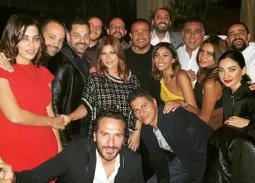10 صور- دينا الشربيني تحتفل بعيد ميلادها مع عمرو دياب وأصدقائهما من الوسط الفني