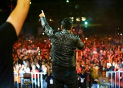 حفل تامر حسني في جامعة الدلتا