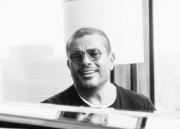 """عمرو دياب يتصدر YouTube بـ""""مقدرش عالنسيان"""""""