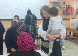 10 صور- ريهام سعيد مع ابنها للادلاء بصوتها في التعديلات الدستورية