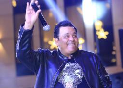محمد فؤاد يحتفل مع الجمهور بليلة رأس السنة