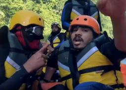 """بالفيديو- مصطفى حجاج يفاجئ رامز جلال بهذا التصرف في """"رامز في الشلال"""""""