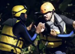 """بالفيديو- إصابة مصطفى حجاج بسبب هروبه من الغوريلا  بـ """"رامز في الشلال"""""""