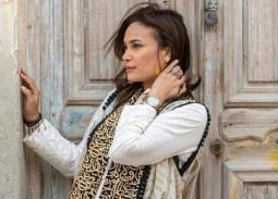 """هند صبري ترتدي ثياب بتطريزات عربية في جلسة تصوير لصالح مجلة """"لها"""""""