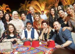 عمرو أديب ولميس مع الضيوف
