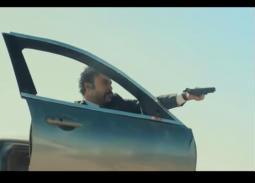 """""""هوجان"""" يتصدى للرصاص ويقلب السيارات بيده وينقذ """"نور"""" في الحلقة 12"""