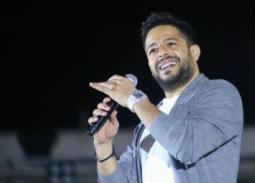 بالفيديو- 30 فنانا مع محمد حماقي في إعلان مستشفى 500500