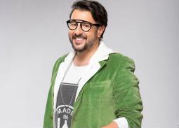 بالفيديو- كريم أبو زيد يعود للغناء من جديد