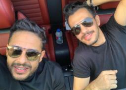 بالفيديو-حماقي وعمرو مصطفى وأحمد إبراهيم في كواليس تسجيل إعلان ممستشفى 500500