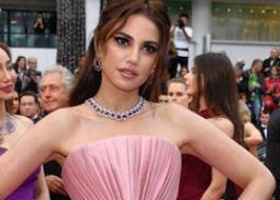 نجمات العرب يتألقن على السجادة الحمراء في مهرجان كان السينمائي 2019