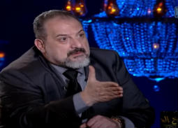 بالفيديو- خالد الصاوي عن النقاب والهوت شورت: أنا ضد التطرف