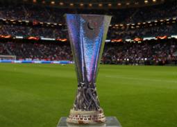 تعرف على معلقي مباراة نهائي الدوري الأوروبي.. 4 معلقين وقناتين