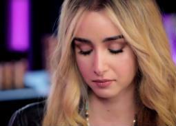 بالفيديو- رسالة مؤثرة من هنا الزاهد لوالدها: سامحني