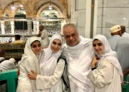 أشرف زكي وزوجته روجينا وابنتيها