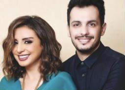يده على كتفها ..لهذا السبب نشرت أنغام صورتها مع أحمد إبراهيم