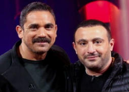 """بالفيديو- عمرو أديب لأحمد السقا: """"لازم تولع في أمير كرارة""""... هكذا رد عليه"""