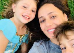 بالصور- حلا شيحة بصحبة أبنائها