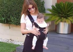 """نشرت المطربة اللبنانية نانسي عجرم لأول مرة صورتها مع ابنتها الصغرى """"ليا"""""""