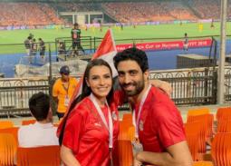 كارمن سليمان وزوجها مصطفى جاد في مباراة مصر والكونغو