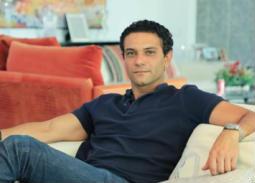 """صورة- آسر ياسين يعلن عن مشاركته في """"ولاد رزق"""" بـ""""الشايب"""""""