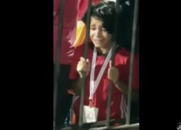 فيديو مؤثر لطفل يبكي بعد خسارة المنتخب