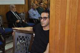 بالصور- أحمد حلمي في عزاء زوجة رشوان توفيق