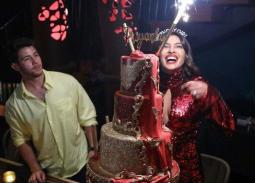 رومانسية بريانكا شوبرا ونيك جوناس في عيد ميلادها الـ37