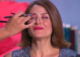 شاهد- هيدي كرم تكشف طريقة تجميل هذ المنطقة في وجهها