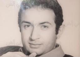 في ذكرى وفاته- صور من مكتب نور الشريف
