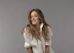 صورة- أمينة خليل عن فستانها المفضل: يكسب فساتين الجونة
