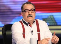 """إبراهيم عيسى: أحمد زكي اتحايل عليّ في فيلم """"السادات"""".. ولن أكرر تجربة التمثيل"""