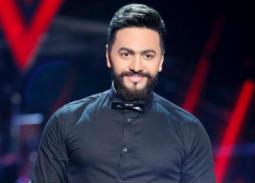 هيعزل بسببي... تامر حسني يرد على تصريحات نجل عمرو الليثي