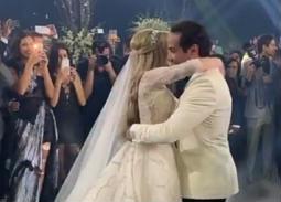 فيديو- رقصة أحمد فهمي وهنا الزاهد في حفل زفافهما
