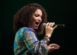 """نسمة محجوب و"""" Nour project """" بحفل غنائي بالعين السخنة"""