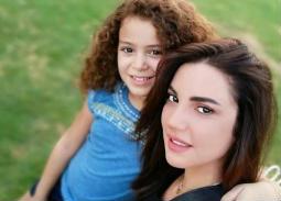 """صور- كواليس """"بلا دليل""""..هذا ما قالته انجي علاء عن دور الطفل ريماس"""