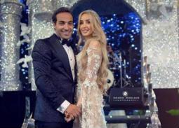 وصلة شتائم من أحمد فهمي لمعجبة علقت على صورة من زفافه