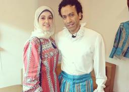 """صورة- زوجة سامح حسين تدعمه قبل عرض """"المتفائل"""""""
