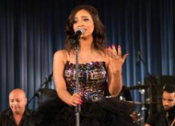 بالصور- رنا سماحة تغني في أوبرا القاهرة